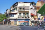 Hà Nội: Nhiều cửa hàng trên các phố lớn tiếp tục đóng cửa, sang nhượng