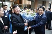 Chủ tịch Hà Nội tặng hoa tiễn Chủ tịch Kim Jong-un rời khách sạn Melia