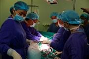 Cứu sống bệnh nhân người Mỹ bị tách động mạch chủ nguy kịch