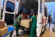 Hình ảnh các y bác sỹ lên đường đưa 120 ca COVID-19 về nước