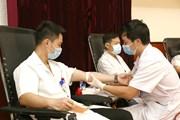 [Photo] Y bác sỹ chung tay khắc phục tình trạng khan hiếm máu