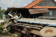 Đồng Tháp: Xe tải đâm vào nhà dân, hai người bị thương