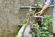 Sống gần trạm cấp nước người dân vẫn thiếu nước sinh hoạt