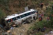 Xe buýt lao xuống vực sâu 200m, ít nhất 12 người thiệt mạng