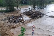 Lào Cai: Xuất hiện lũ quét bất thường trong đêm tại xã Vĩnh Yên
