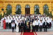 Tổng bí thư, Chủ tịch nước gặp các học sinh, sinh viên xuất sắc