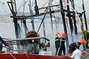 Quảng Ninh: Cháy tàu vỏ gỗ chứa khoảng 1.500 lít dầu diesel
