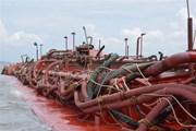 TP.HCM: Phát hiện 5 sà lan hút cát trái phép trên biển Cần Giờ