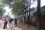 Vĩnh Phúc: Nhân viên đốt gas bất cẩn, cả kho sơn bốc cháy