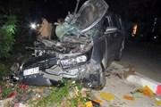 Ôtô va chạm xe máy trong đêm, 2 người chết, 3 người thương nặng