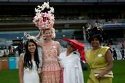 Ngắm nhìn những chiếc mũ độc đáo tại lễ hội đua ngựa Royal Ascot