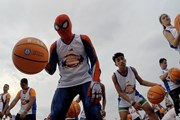 Đã mắt với màn dẫn bóng rổ của 3.800 người tại Philippines
