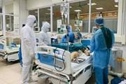 Những chiến sỹ ''áo trắng'' nơi tuyến đầu chống dịch COVID-19