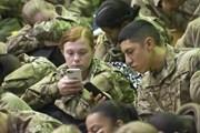 Mỹ cấm các nhân viên quân sự sử dụng điện thoại thông minh
