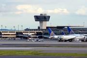 Thiết bị bay không người lái gây rối hoạt động tại sân bay lớn của Mỹ