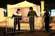 Công an phường Đồng Tâm bảo vệ Trạm di động lấy mẫu xét nghiệm