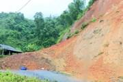 Thanh Hóa: Di dời khẩn cấp hàng chục chiến sỹ và dân do sạt lở núi