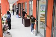 [Photo] Đảm bảo điều kiện an toàn khi học sinh Hà Nội trở lại trường