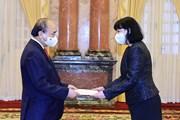 Chủ tịch nước Nguyễn Xuân Phúc tiếp các Đại sứ đến trình Quốc thư