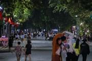 Phố đi bộ Hoàn Kiếm nhộn nhịp trở lại sau khi dỡ bỏ lệnh giãn cách
