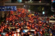 [Photo] Đường phố Hà Nội tắc cứng trong cơn mưa chiều 22/9