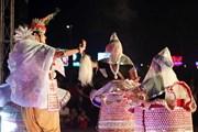 [Photo] Biểu diễn nghệ thuật nơi công cộng dịp Festival Huế