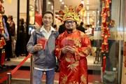 [Photo] Khách hàng vẫn nườm nượp mua vàng cầu may ngày Thần Tài