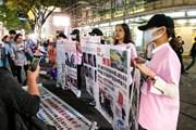 """Hàng loạt các cô gái Trung Quốc thẩm mỹ hỏng đến Hàn Quốc """"bắt đền"""""""