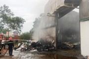 Cháy lớn lúc nửa đêm, thiêu rụi toàn bộ 1 cửa hàng gas