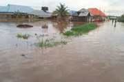Hàng nghìn người phải rời bỏ nhà cửa do lũ lụt ở Nigeria