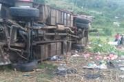 Tai nạn khảm khốc: Xe buýt lật khiến 51 người thiệt mạng