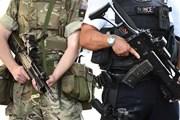 Cảnh sát Anh phong tỏa tuyến phố ở London, điều tra xe ôtô khả nghi