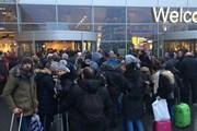 Hàng nghìn hành khách bị mắc kẹt do sương mù tại các sân bay Hà Lan