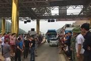 [Video] Xả trạm BOT Hòa Lạc-Hòa Bình do người dân phản đối