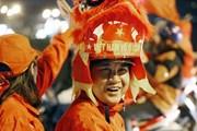 Hình ảnh người hâm mộ khắp mọi miền vỡ òa hạnh phúc cùng U22 Việt Nam