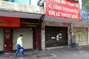 [Photo] Hàng loạt cửa hàng ở TP Hồ Chí Minh phải đóng cửa do ế ẩm