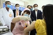 Tiêm thử nghiệm lâm sàng loại vaccine COVID-19 thứ 2 cho 6 TNV