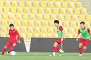 Hình ảnh đội tuyển Việt Nam tập luyện, làm quen sân Zabeel