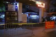 Hình ảnh phong tỏa Bệnh viện Phổi Hà Nội ngay trong đêm