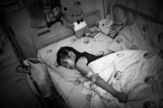 Bài 4: [Photo] Ám ảnh giấc mơ được đi của cô bé chân voi