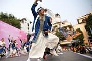 700 nghệ sỹ trình diễn nghệ thuật múa Yosakoi đầy màu sắc