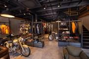 Cận cảnh showroom mô tô Royal Enfield đầu tiên của Hà Nội