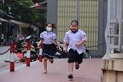 Hà Nội: Học sinh tiểu học rộn ràng ngày đi học trở lại sau kỳ nghỉ dài