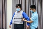 Sinh viên Bách Khoa chế tạo áo làm mát dành cho lực lượng chống dịch