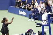 "[Video] Chi tiết Serena Williams ""sôi máu"" khi thua Naomi Osaka"