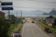 Hàn Quốc dùng thuốc nổ phá hủy trạm gác trong DMZ