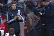 [Video] Cổ động viên MU chỉ trích và đòi bán ngôi sao Paul Pogba