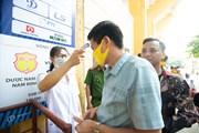 Kiểm tra y tế chặt chẽ hàng nghìn CĐV trước trận đấu Nam Định-HAGL