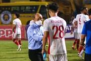 HLV Park Hang-seo an ủi Viettel sau trận thua trước Hà Nội FC