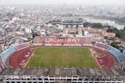 Hình ảnh vườn rau ngay cạnh cầu môn của sân vận động Lạch Tray